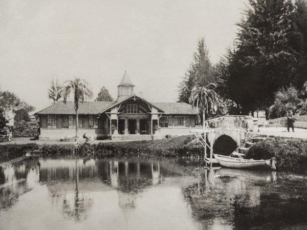 Escuela Nacional de Bellas Artes, 1904.