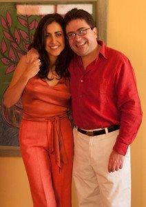 Con Carolina Hidalgo Vivar, quien fue su novia durante siete años. 1 2 Una de las personas más importantes y queridas que tuvo en su vida (2004).