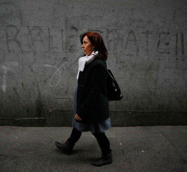 """""""Las madres solas sufrimos  sobrecarga de trabajo, soledad y nuestro riesgo de exclusión social es alto""""."""