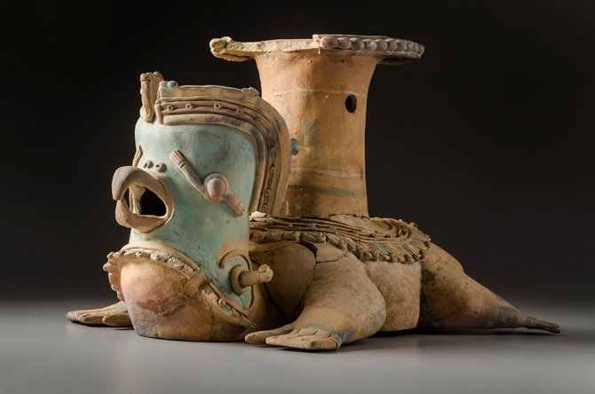 Recipiente ornito-antropomorfo (conjunción ave-humano). Jama-Coaque (350 a. C.-1532 d. C.).