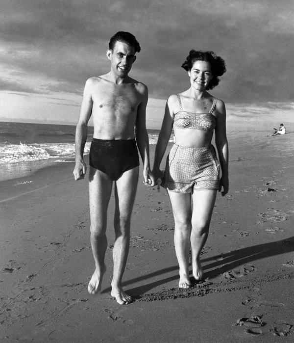 Con Emma Robinson, Subida Alta, 1948.