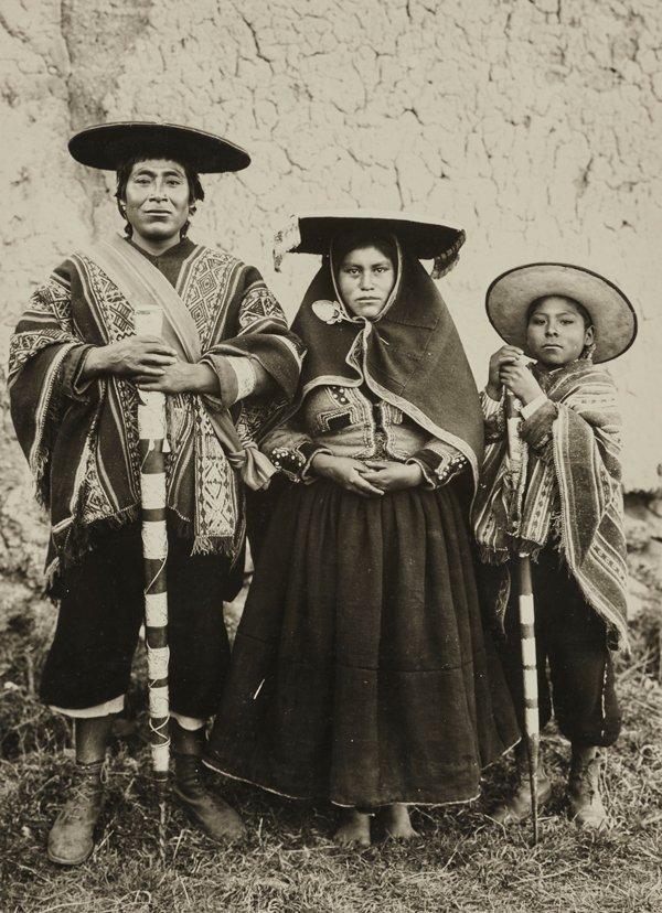 Alcalde campesino de Tinta y su familia, Cusco, 1920-1930.