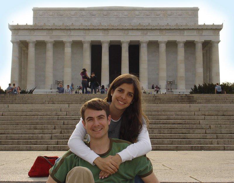 Con su novio, Eric Hager, en la Universidad de Columbia, Nueva York, 2005.