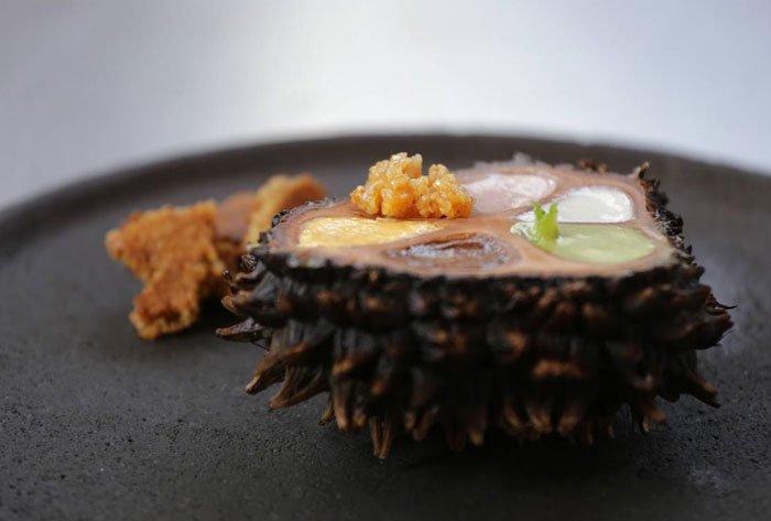 Uno de los platos de Rodrigo, metamorfosis propia de la tagua y una variedad de sabores y texturas.