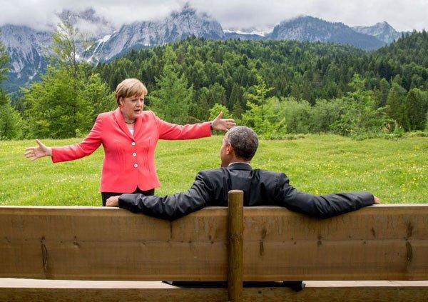 Merkel conversa con Barack Obama tras una sesión de la cumbre del G7 en el 2015.