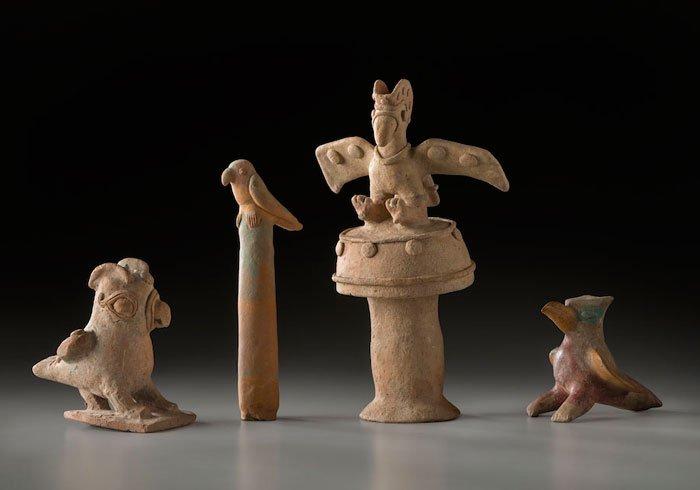 Conjunto de figuras con forma de aves. Culturas Chorrera (1000-300 a. C.), Jama Coaque (300 a. C.-400 d. C.) y Manteño Huancavilca (400-1532 d. C.).