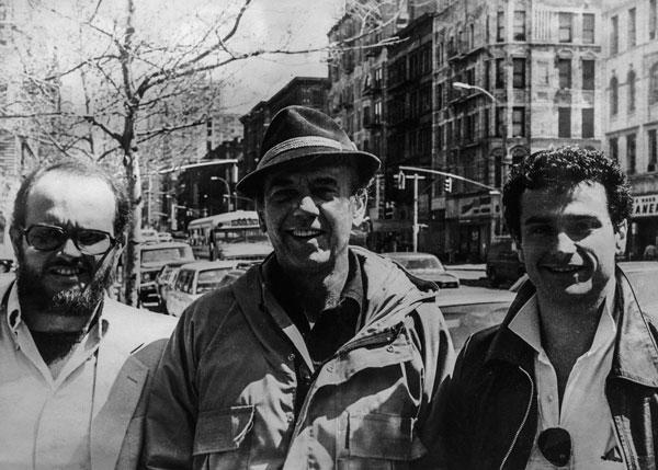 Carlos Ycaza Paulson, presidente de la Fundación Albert Paulsen con Albert Paulsen (actor ecuatoriano) y Billy Paulson a finales de los setenta.