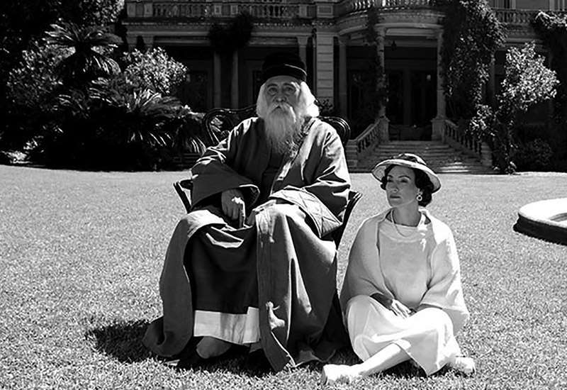 La película Pensando en él (2017), del director argentino Pablo César, aborda la amistad entre Tagore y Victoria Ocampo.